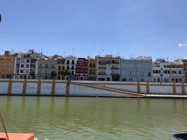 Apartamentos Barrio de Triana junto al río Guadalquvivir