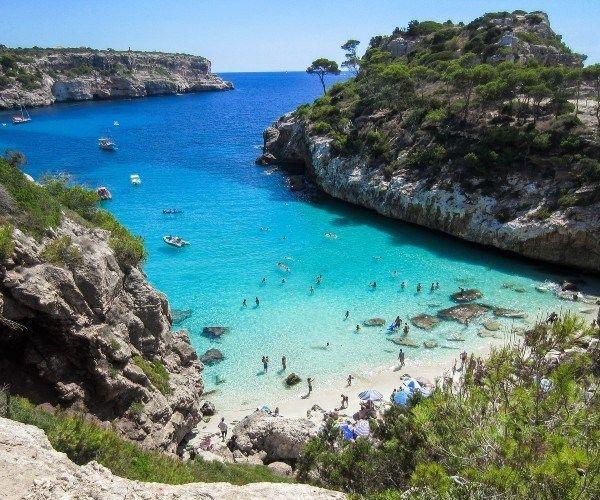 Alquiler de yates de lujo por las increíbles Islas Baleares